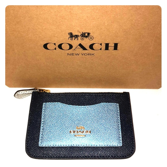 Coach Handbags - NWT Coach Card Holder / Wallet